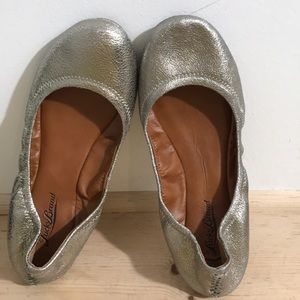 Lucky Brand women flats shoes size 7M silver